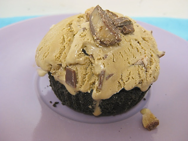 Coffee Heath Bar Ice Cream in Oreo Cookie Shells