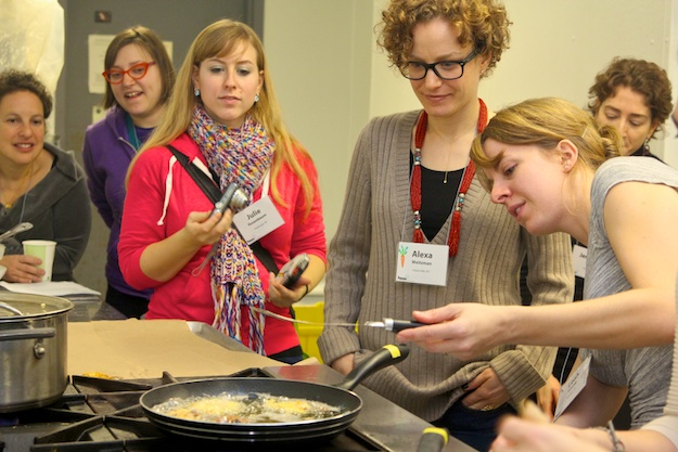 Leah-Koenig taught how to make Bukharian-potato-turnovers at Hazon Conf 2012
