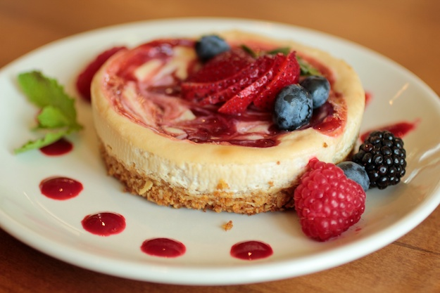 Vanilla Raspberry Swirl Cheescake