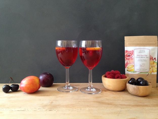 sangria w_ 2 glasses 2
