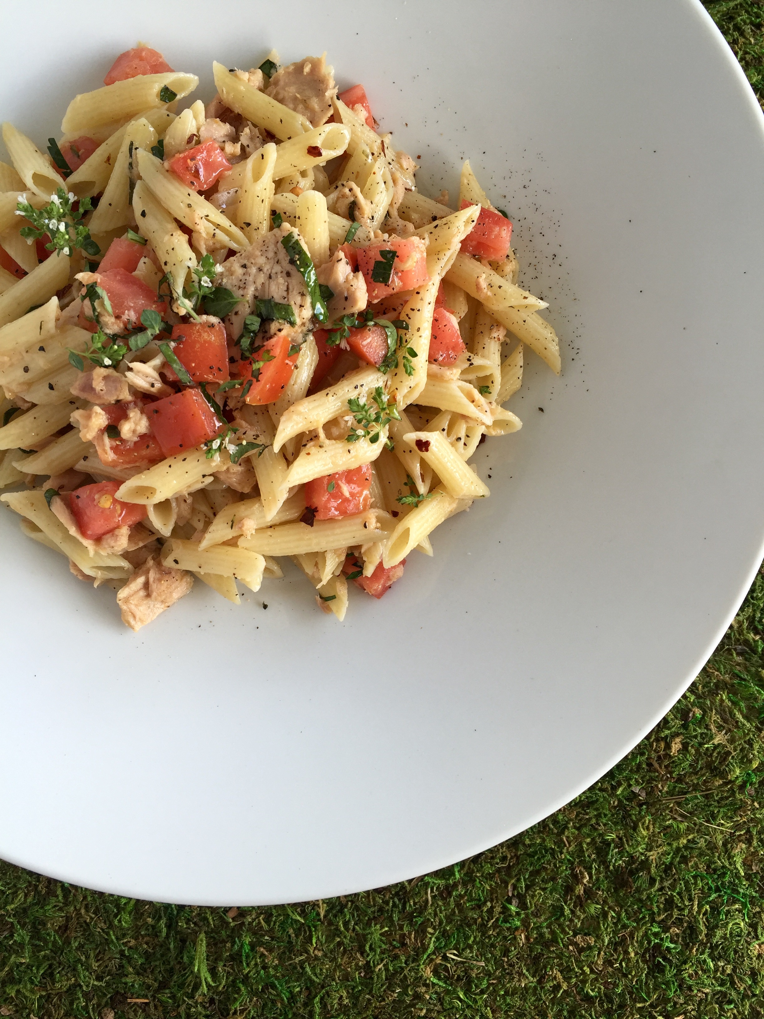 Easy Dinner: Pasta with Italian Tuna & Late Summer Tomatoes