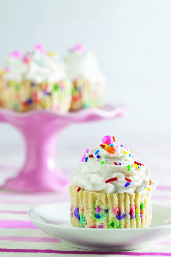 confetti-cheesecake-cupcakes