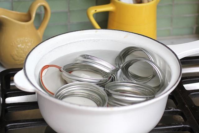 sterilize jam jars