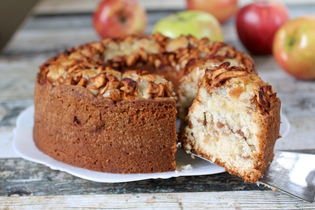 THAT Holiday Apple Cake Everyone Wants for Rosh HaShanah