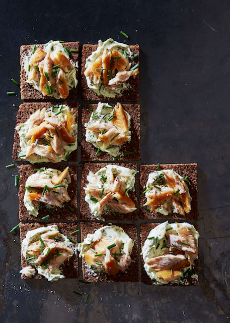 Easy Summer Nosh: Smoked Trout Canapés